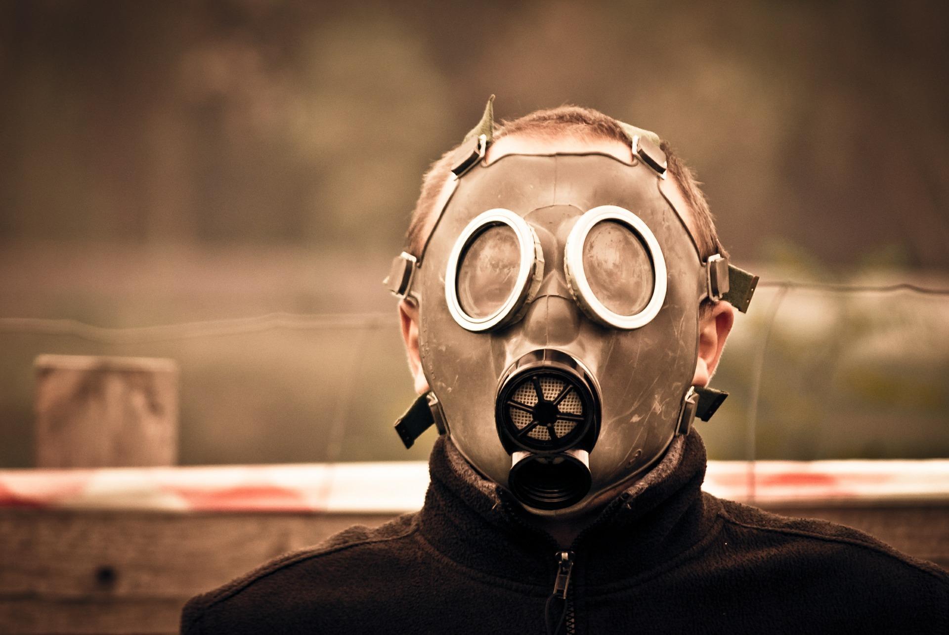gas-mask-469217_1920